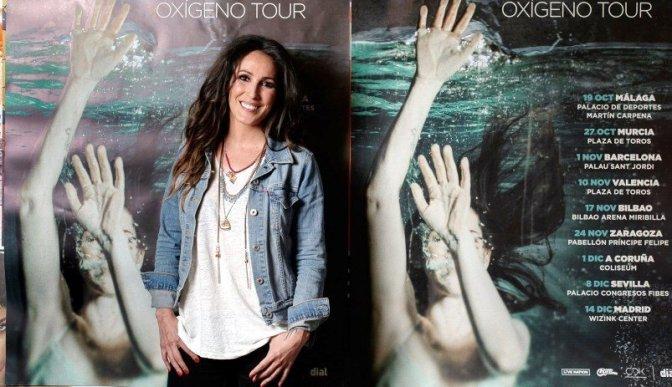 ESCRIBE TU RELATO DE OCTUBRE (III): La cantante española @_MaluOficial_
